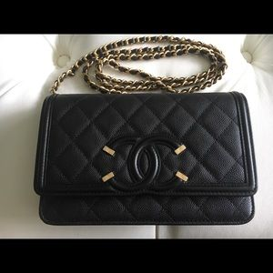 2019 Chanel Filigree Caviar Wallet on Chain